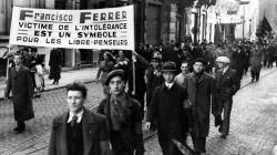 Manifestació de rebuig a París per l'assassinat de de Francesc Ferrer i Guàrdia