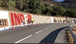 Tossudament alçats per repintar els murals a Cadaqués