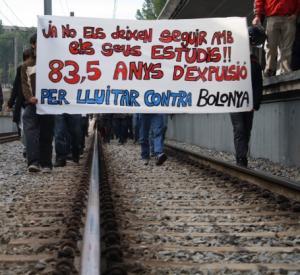 Estudiants bloquegen els ferrocarrils (FGC) a la UAB davant de la proposta de sanció del rectorat