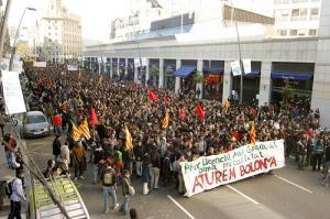 Manifestació omplint el carrer Pelai abans de les càrregues policials. Barcelona