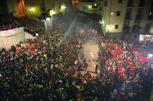 Més de 10.000 persones es manifesten a Berga en suport a la cultura popular i tradicional